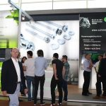 Bild Messestand von HERZOG INTERTEC mit mehreren Menschen auf der Engine Expo 2015